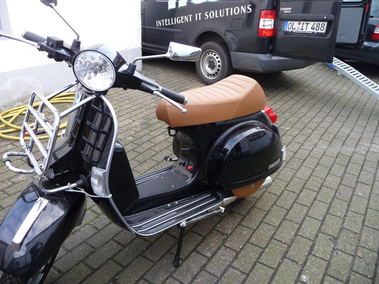 Motorradsitzbänke Oldenburg - Leistungen - Autosattlerei Mönnich